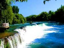 رودخانه و آبشار ماناوگات