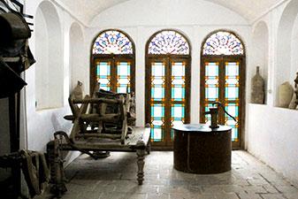 اشیا قدیمی موزه آب یزد