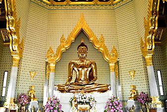 traimit buddha bangkok
