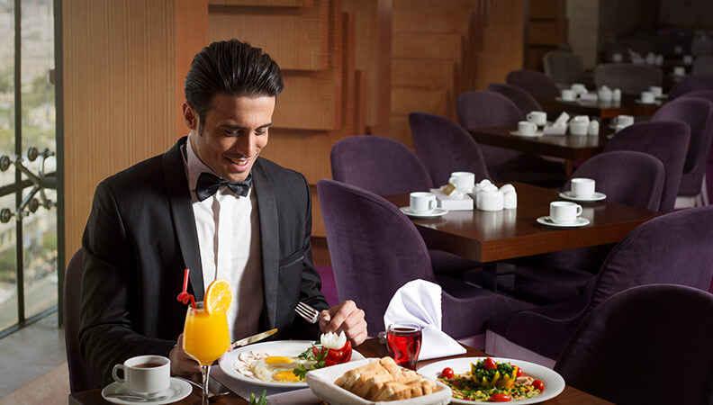 سفر به مشهد هتل درویشی