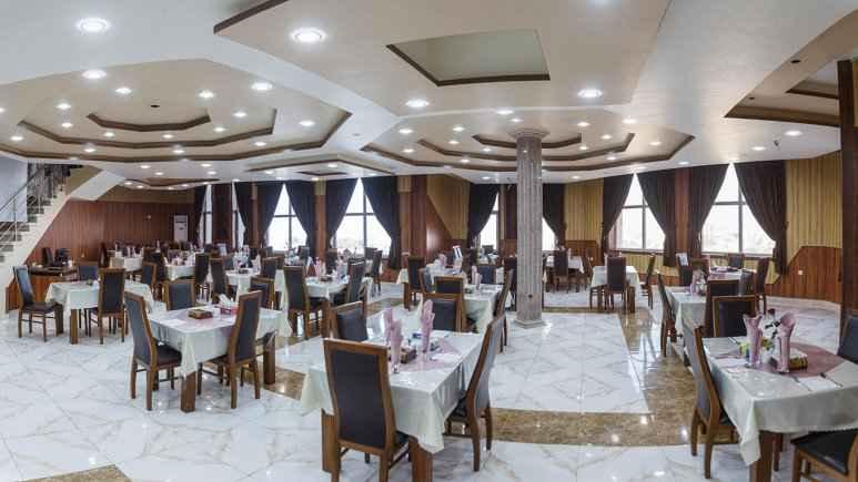 رستوران هتل ارم قشم