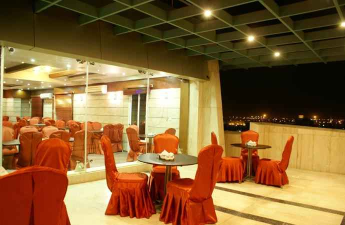 رستوران هتل عماد