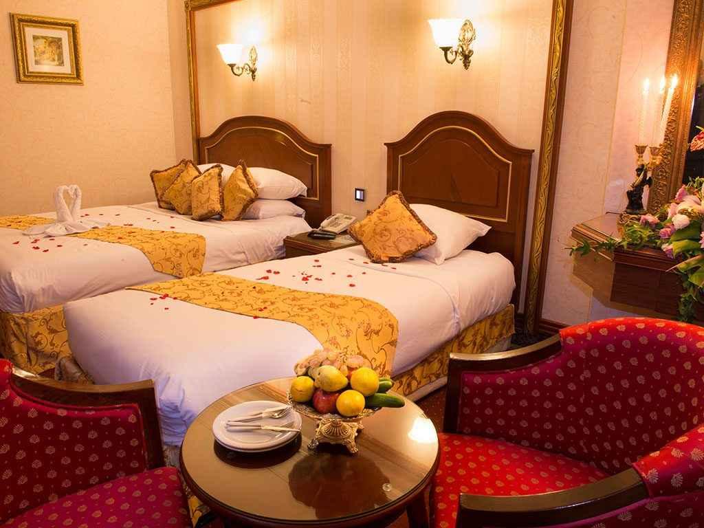 اقامت در هتل قصر طلایی