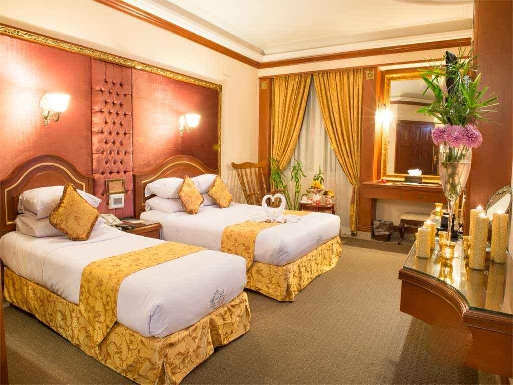 اتاق 3 تخته هتل قصر طلایی