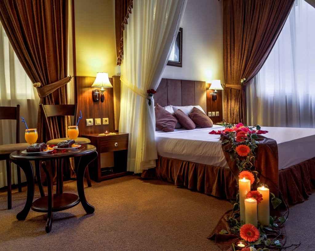 اقامت در هتل کیانا
