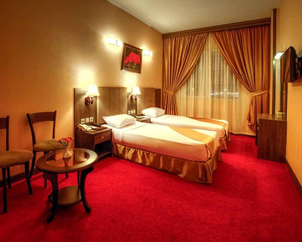 اقامت در هتل کیانا مشهد