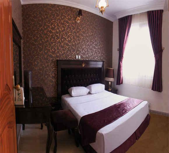 اقامت در هتل کوثر