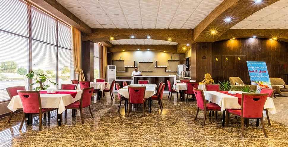 رستوران هتل آرتا قشم