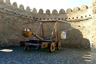 دیوار قدیمی باکو