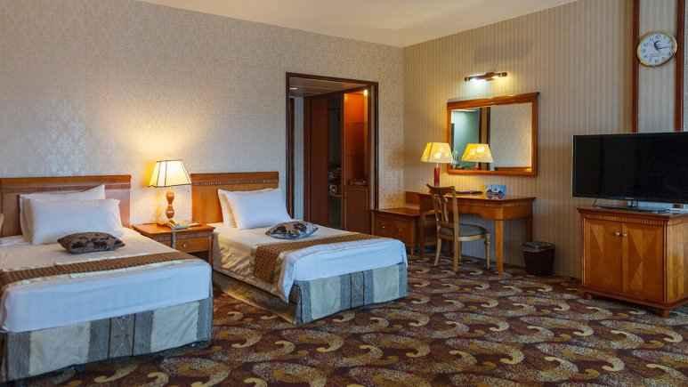 اقامت در هتل پارمیس کیش