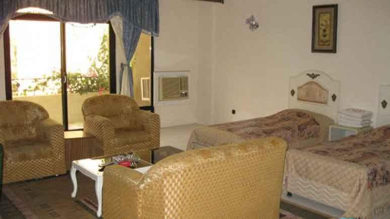اقامت در هتل پارسیان کیش