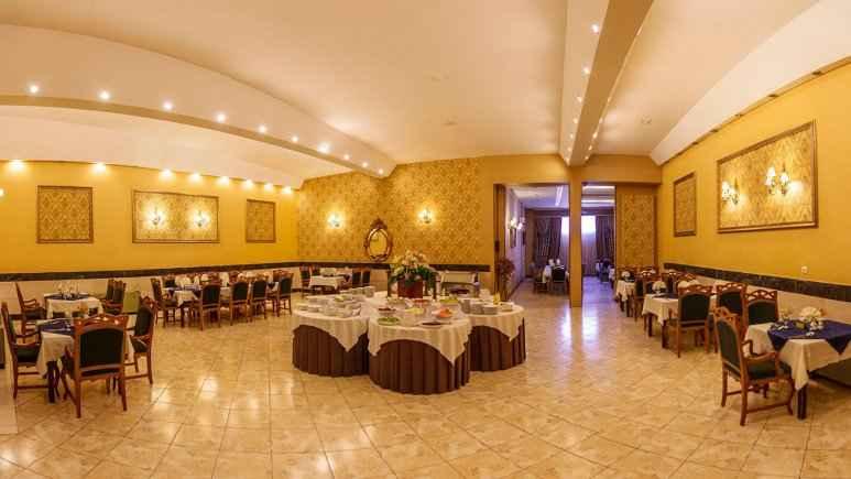 تور شیراز هتل آریو برزن شیراز