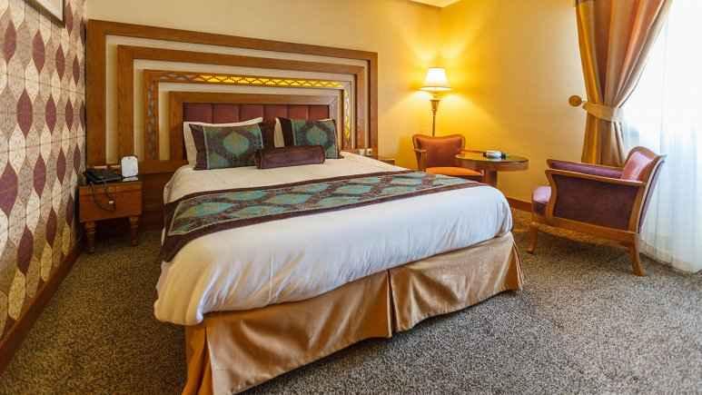 اقامت هتل آریو برزن شیراز