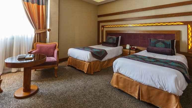 رزرو هتل آریو برزن شیراز