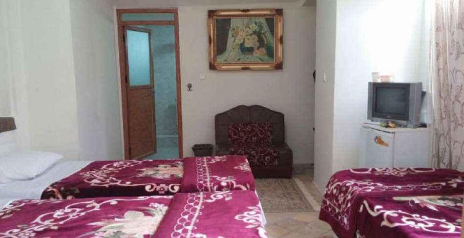 اقامت در هتل کهن کاشانه یزد