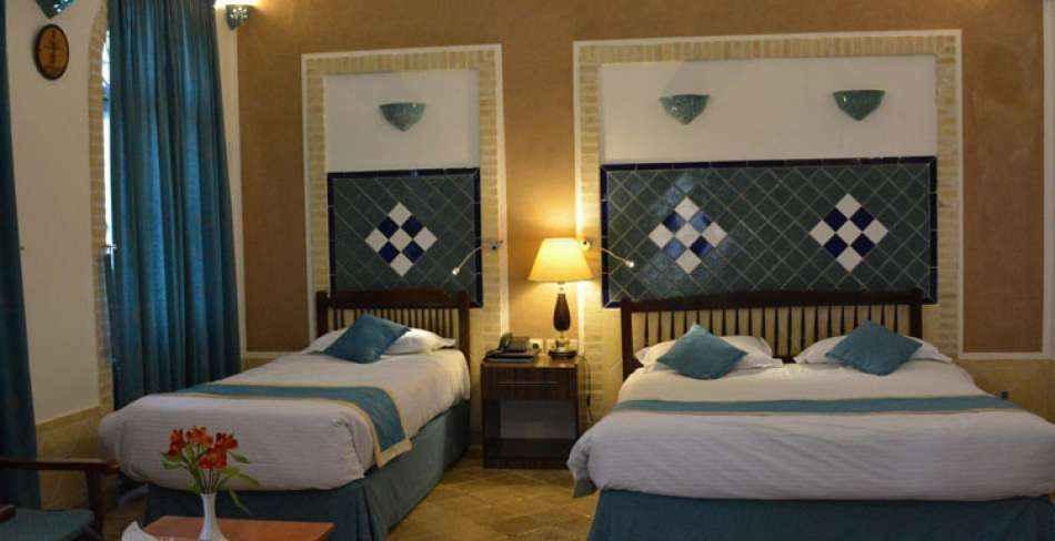 تور هوایی یزد هتل لاله