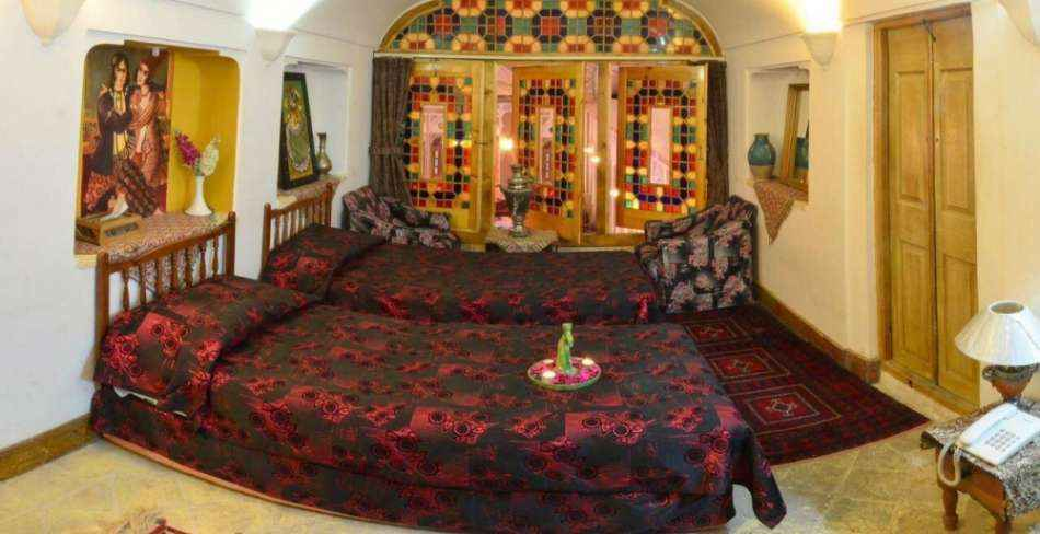 اقامت در هتل سنتی مهر یزد