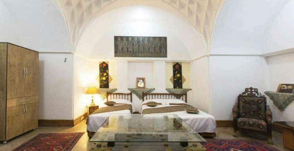 رزو هتل سنتی مهر یزد