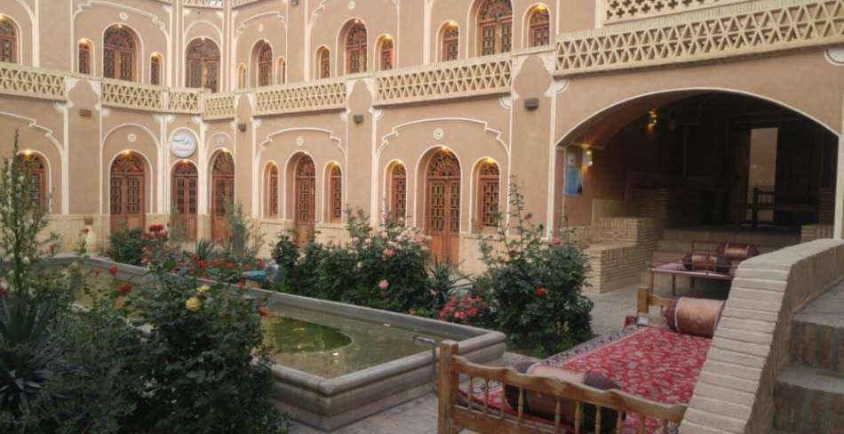 رزرواسیون هتل کاروانسرای مشیر یزد
