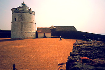 قلعه آگوادا