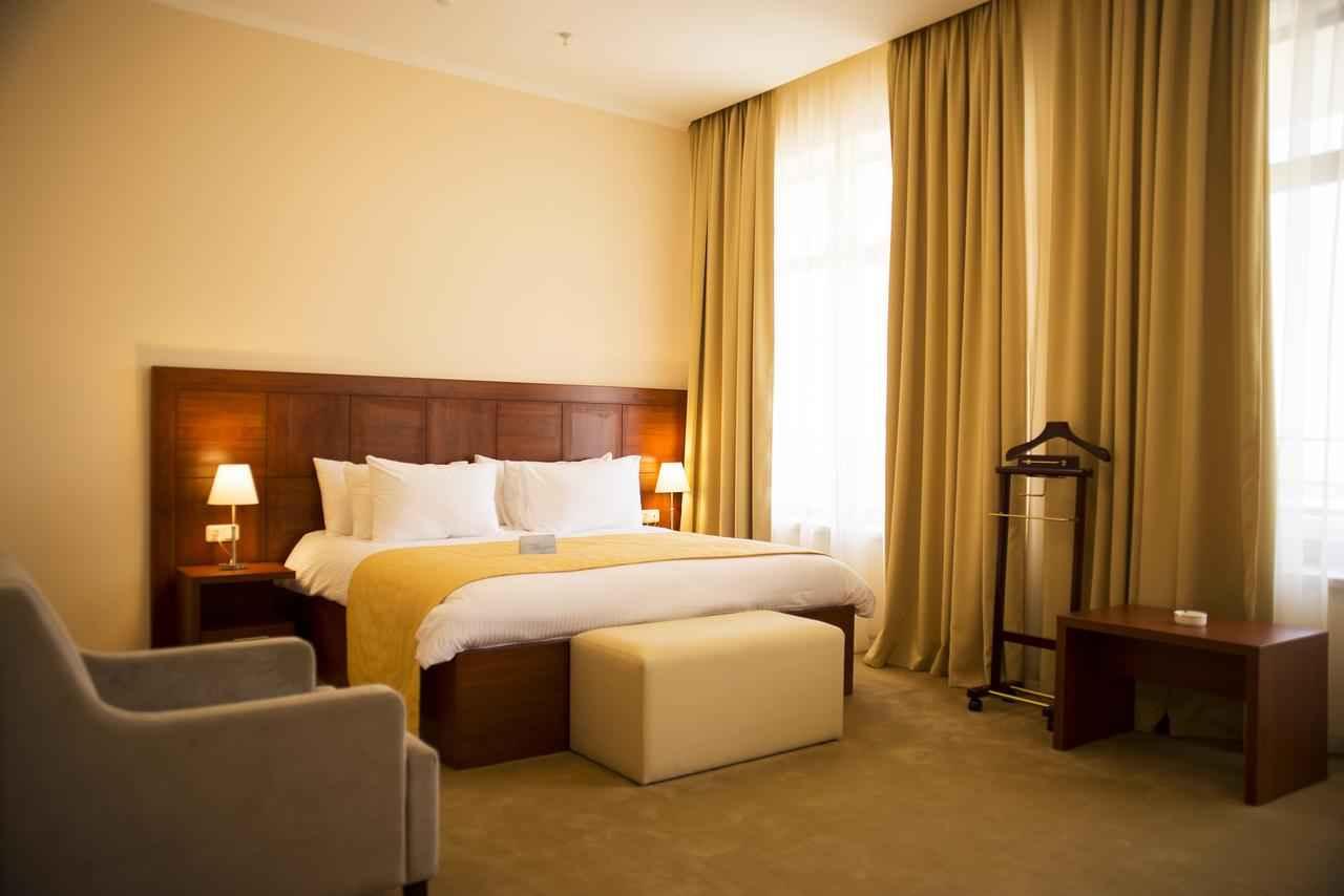اقامت در هتل آنی پلازا
