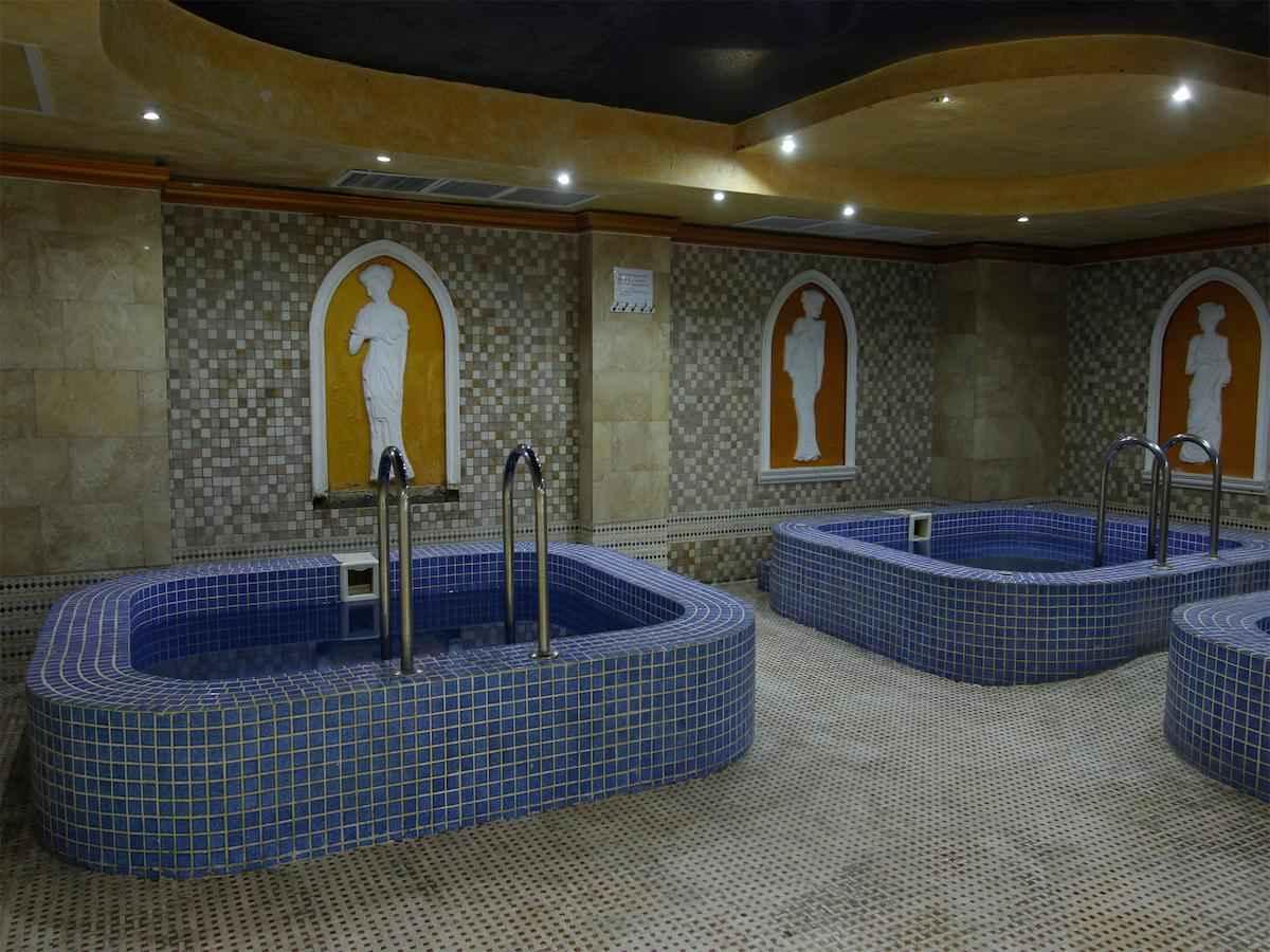 تور لحظه آخری ارمنستان هتل آکواتک