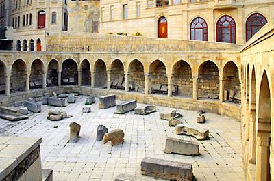 دیوانخانه قصر شیروانشاه باکو