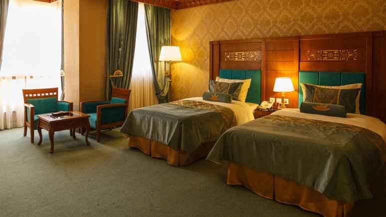 تور زمینی شیراز هتل زندیه شیراز
