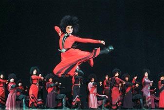 رقص گرجی در تور گرجستان