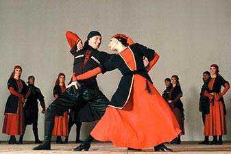 رقص گرجستانی در تور گرجستان