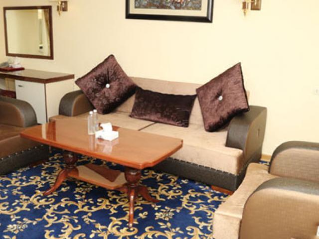تور هوایی ارمنستان هتل رویال پلازا