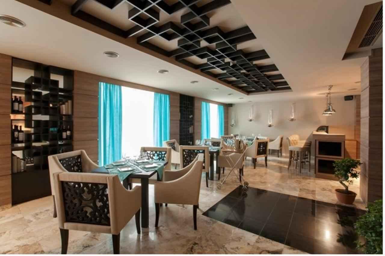 بهترین قیمت تور ارمنستان و هتل تورا پالاس