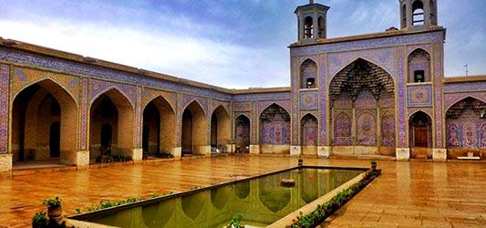مجری مستقیم تورهای شیراز گردی فارا گشت