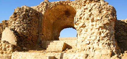 قلعه نادری لافت