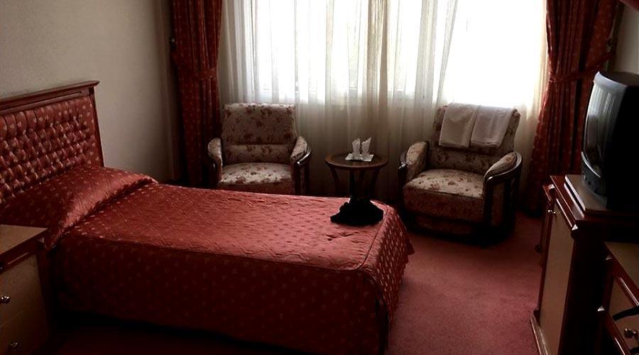 اتاق 2 هتل اخوان کرمان