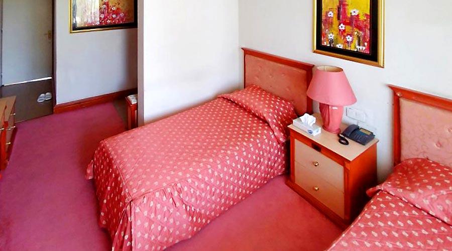 اتاق 3 هتل اخوان کرمان
