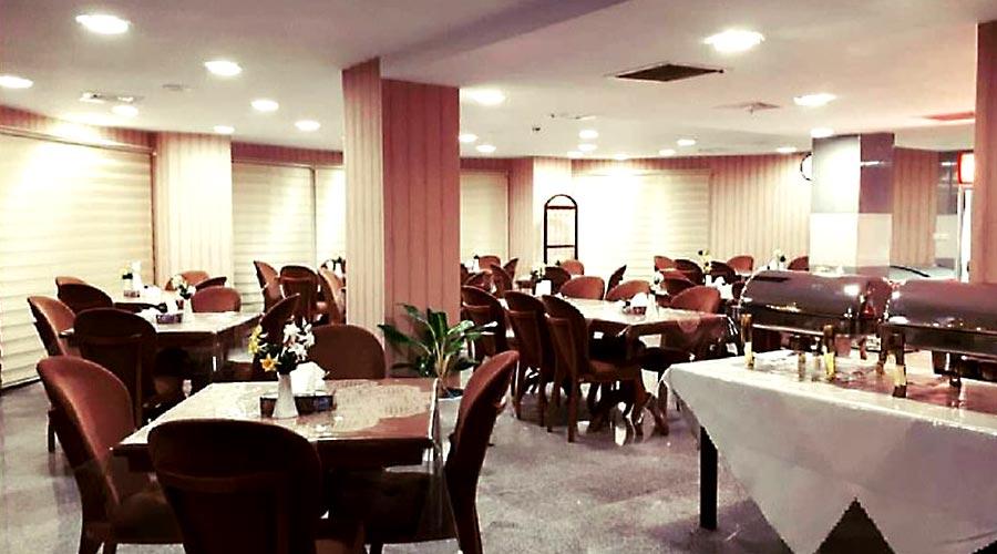رستوران هتل آذین چابهار