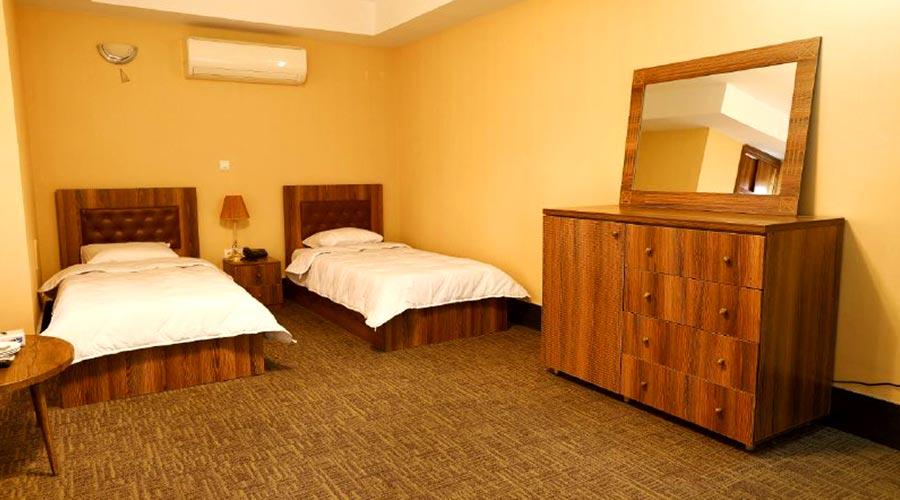 اتاق 2 هتل آذین چابهار