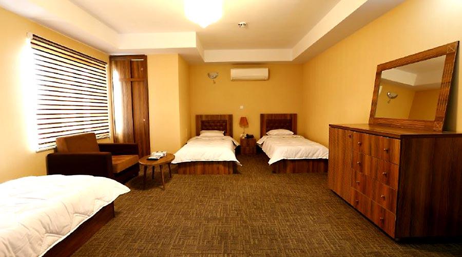 اتاق 3 هتل آذین چابهار