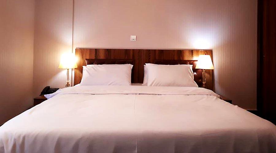 اتاق 5 هتل آذین چابهار