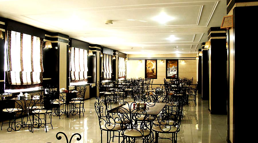 رستوران هتل گواشیر کرمان