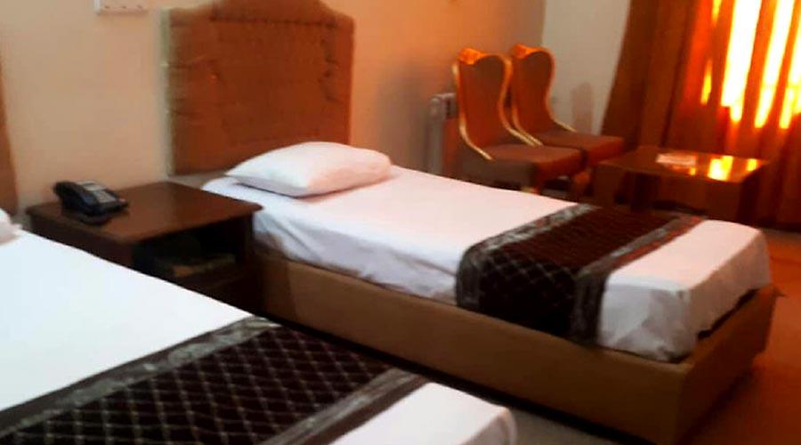 اتاق 4 هتل گواشیر کرمان