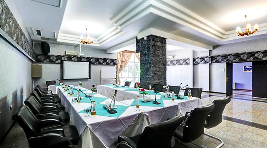 سالن کنفرانس هتل جهانگردی کرمان
