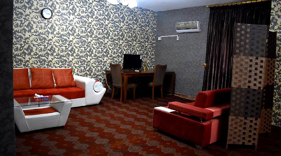 اتاق 2 هتل شاهان چابهار