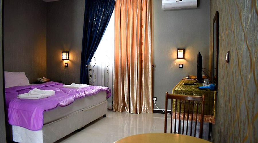 اتاق 4 هتل شاهان چابهار