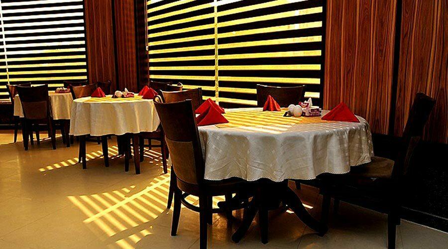 رستوران 2 هتل آرامش کیش