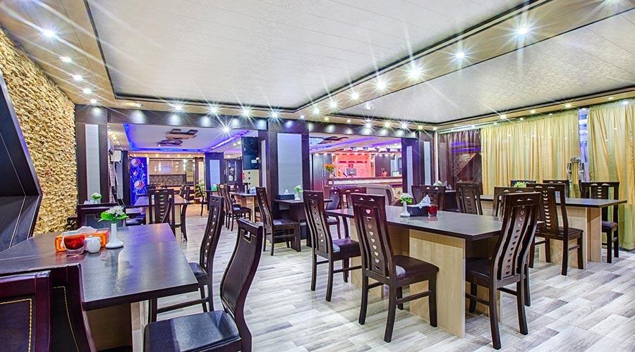 رستوران 1 هتل آرمان قشم
