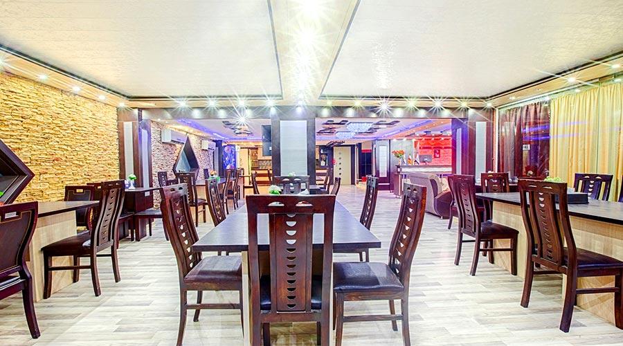 رستوران 2 هتل آرمان قشم
