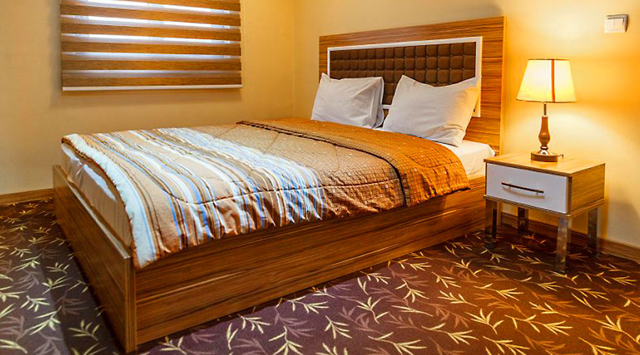 اتاق 3 هتل بهبود تبریز