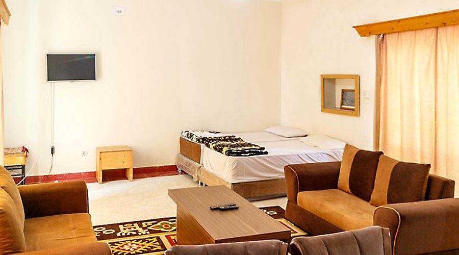 اتاق 3 هتل بهشت قشم